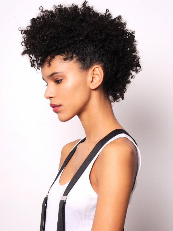 Cheveux Mi-Longs